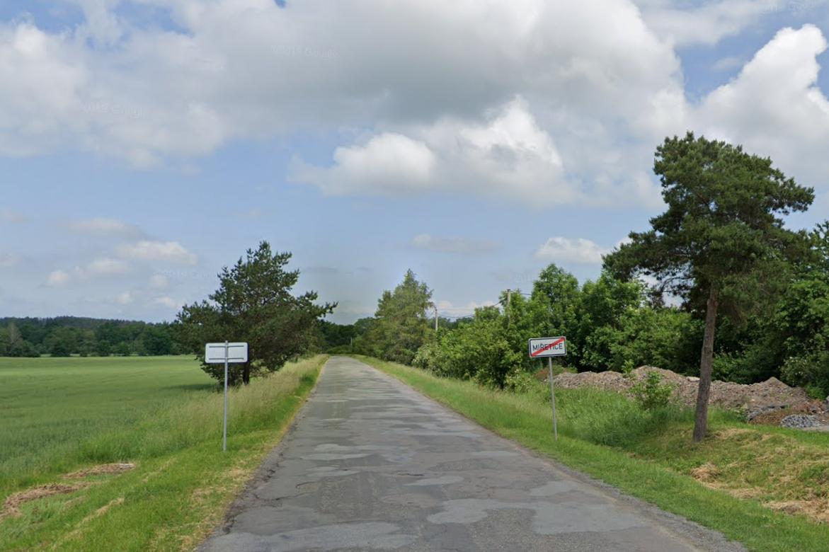 Silnice z Miřetic na Smrček se dočká opravy ještě letos